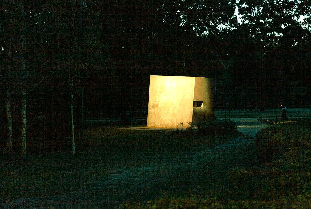 Photo Copyright; Sean P. Durham - Tiergarten, Berlin 2020. Night photography, Berlin.