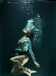 woman in deep water with bubbles